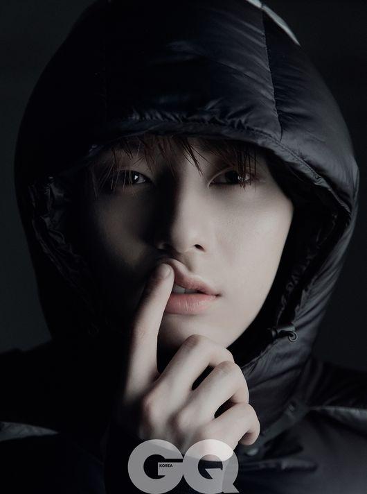 뉴이스트 민현, '올해의 남자' 다운 존재감…압도적 카리스마 [화보]