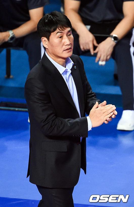 """3연패 김우재 감독, """"잘했는데, 아쉬운 경기 놓쳤다"""""""