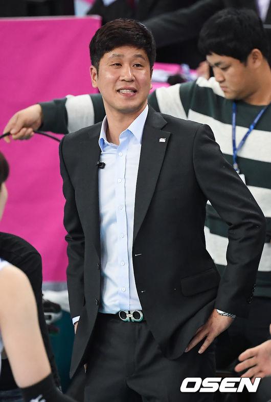"""분전 김종민 감독 """"테일러 공백이 아쉬웠다"""" [생생인터뷰]"""