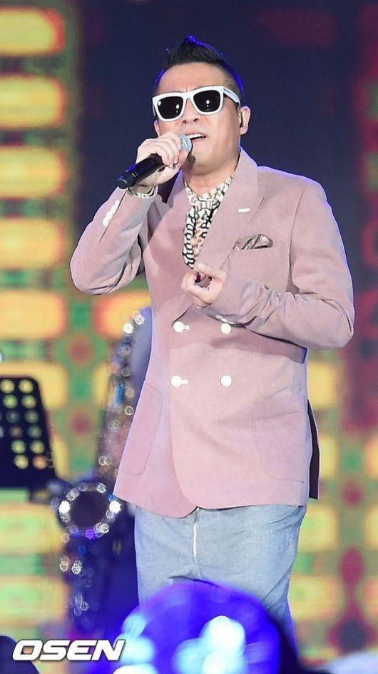 [단독] 김건모, 성폭행 의혹에도 콘서트ing..'미우새'는