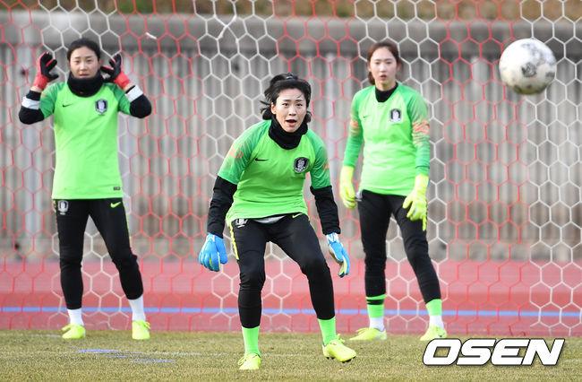 [O! SPORTS]'실전 같은 훈련' 여자 A대표팀 골키퍼 오은아-윤영글-전하늘