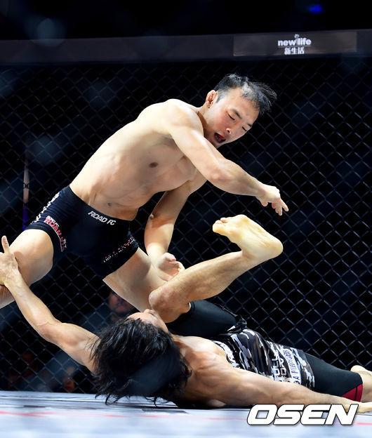 [사진]김수철, 경기를 지배한다