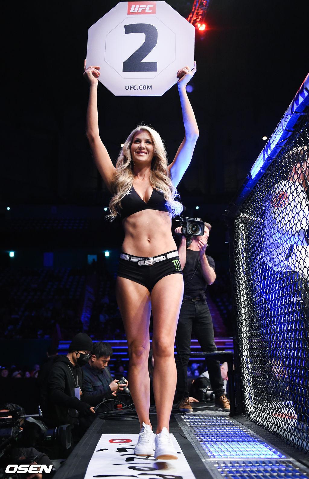 [사진]UFC 옥타곤걸,'금발의 미녀'