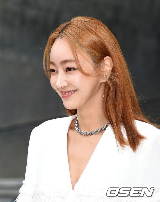 [OSEN=이대선 기자]배우 서효림이 입장하며 포즈를 취하고 있다./sunday@osen.co.kr