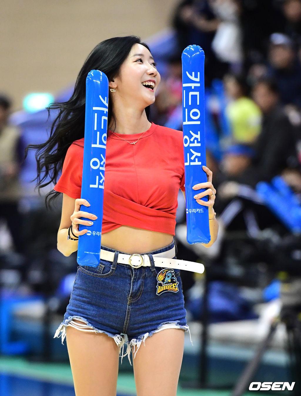 [사진]치어리더 김다정, '미소 가득'