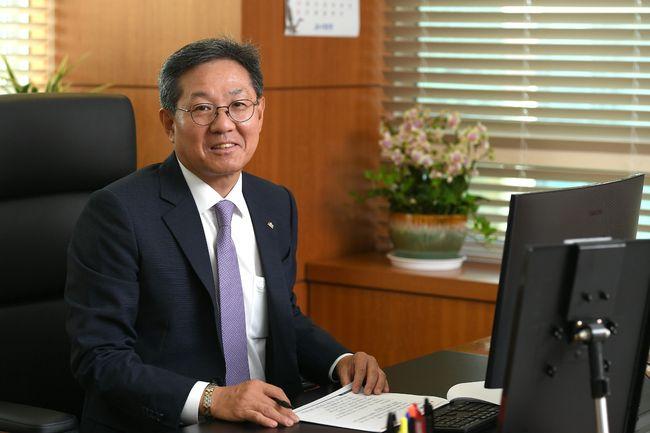 한국프로스포츠협회, 3대 회장으로 이정대 KBL 총재 선출