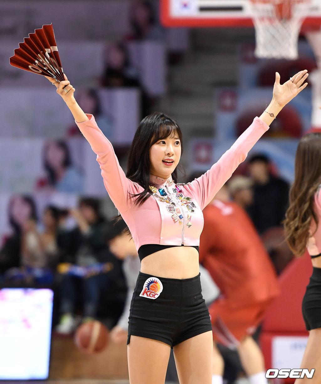[사진]치어리더 김한나,'다 함께 응원해요'