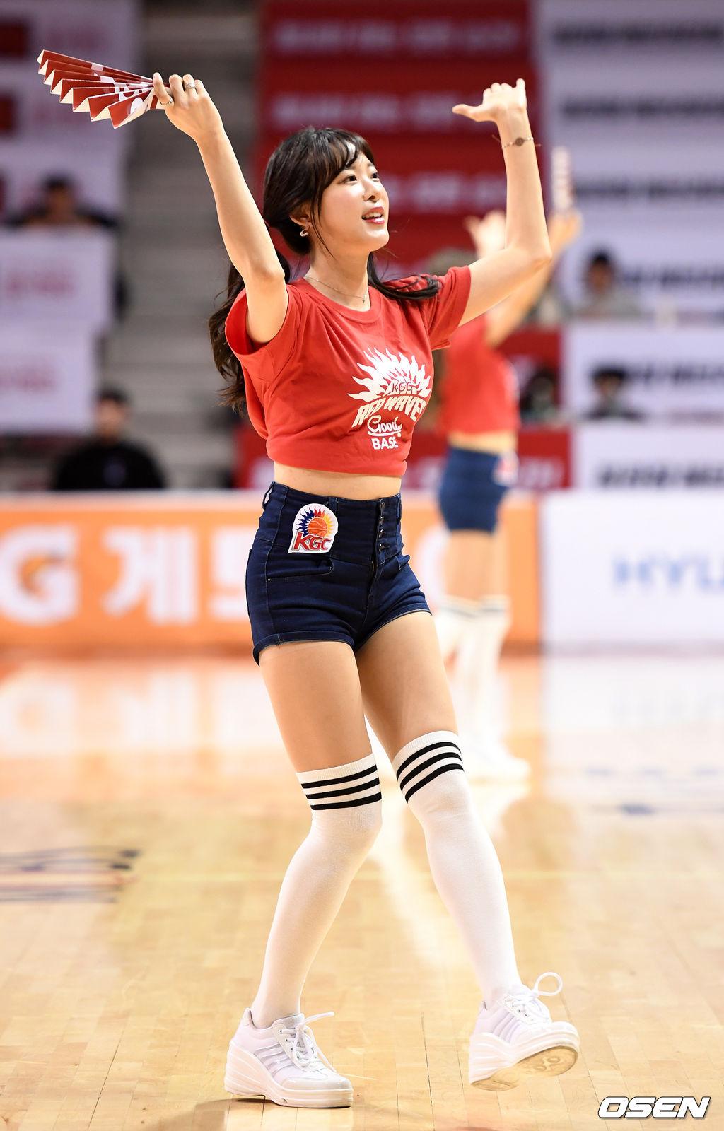 [사진]치어리더 김한나,'뜨거운 응원'