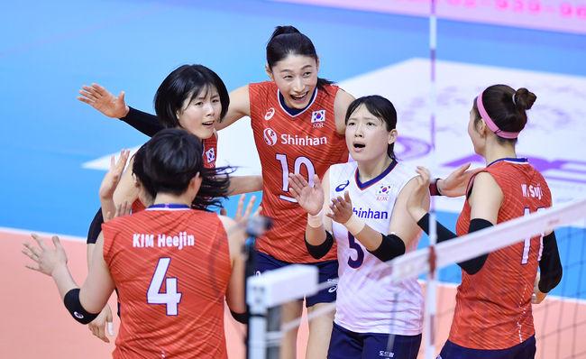 이재영 맹활약 여자배구, 카자흐스탄도 3-0 완파 B조 1위-준결승행