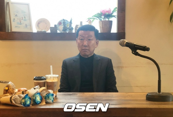 """최강희, """"中 선수들, 대표팀 발전 위해선 스스로 노력해야"""""""