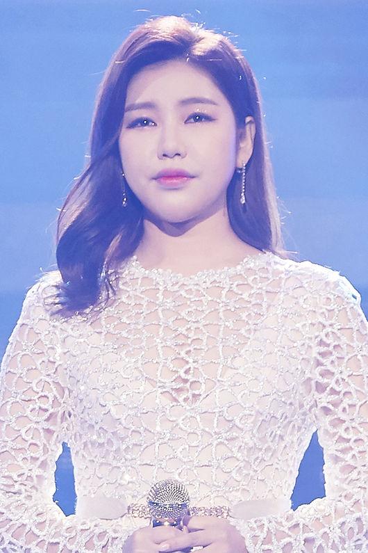 송가인, 오늘(25일) 사랑의 불시착 OST 발매..감성 발라더 깜짝 변신