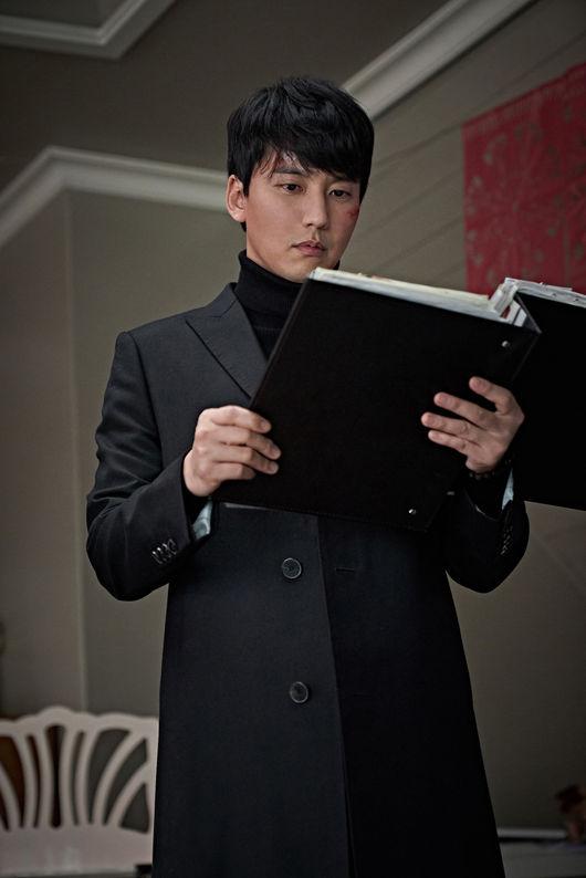 ''캐릭터의 완성은 패션''..'클로젯' 김남길, 시선 강탈 코트핏 [Oh!쎈 컷]