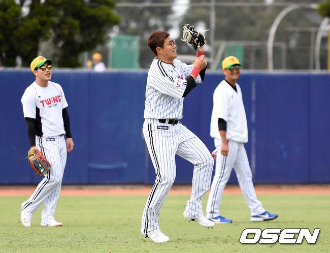 [OSEN=시드니(호주), 이대선 기자]LG 채은성이 외야 수비 훈련을 하고 있다. /sunday@osen.co.kr