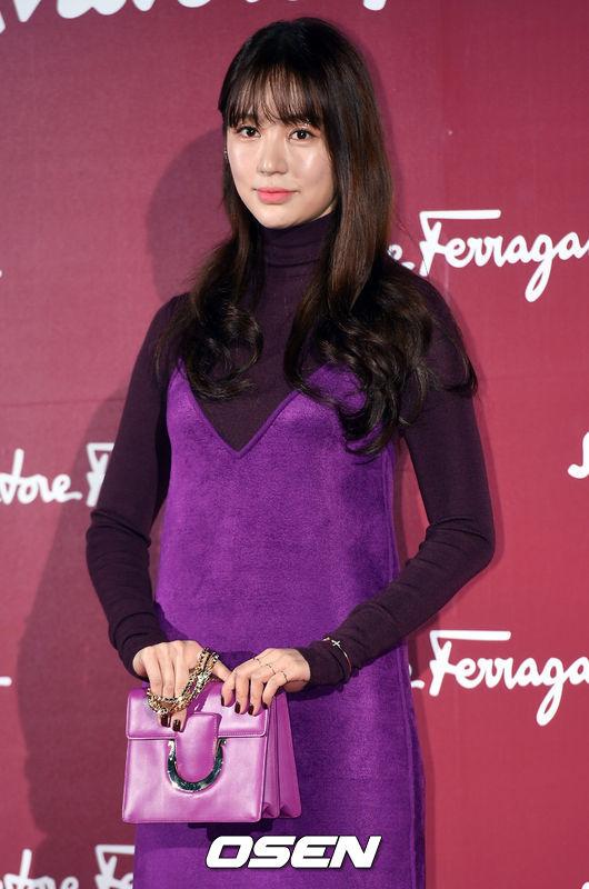 [사진=OSEN  DB] 윤은혜가 '라디오스타'로 3년 만에 한국 예능에 출연했다. 사진은 과거 패션 브랜드 행사에 참석한 모습이다.