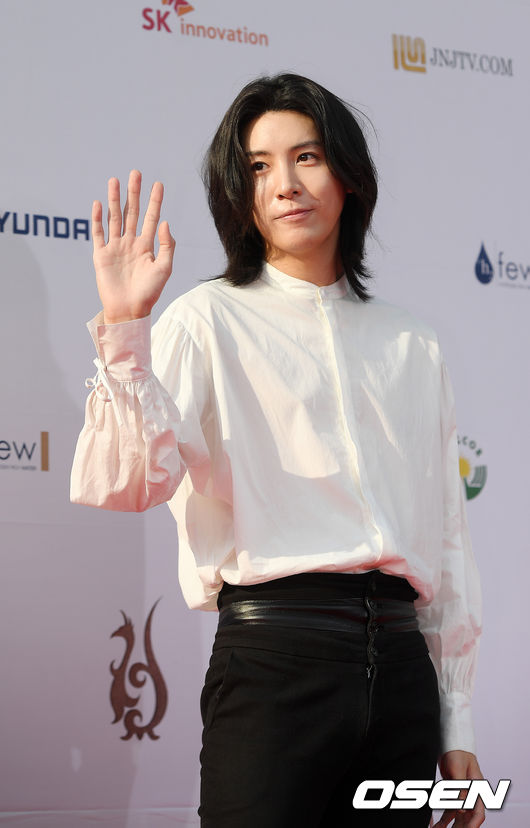 [OSEN=민경훈 기자]배우 노민우가 레드카펫을 밟고 있다. / rumi@osen.co.kr