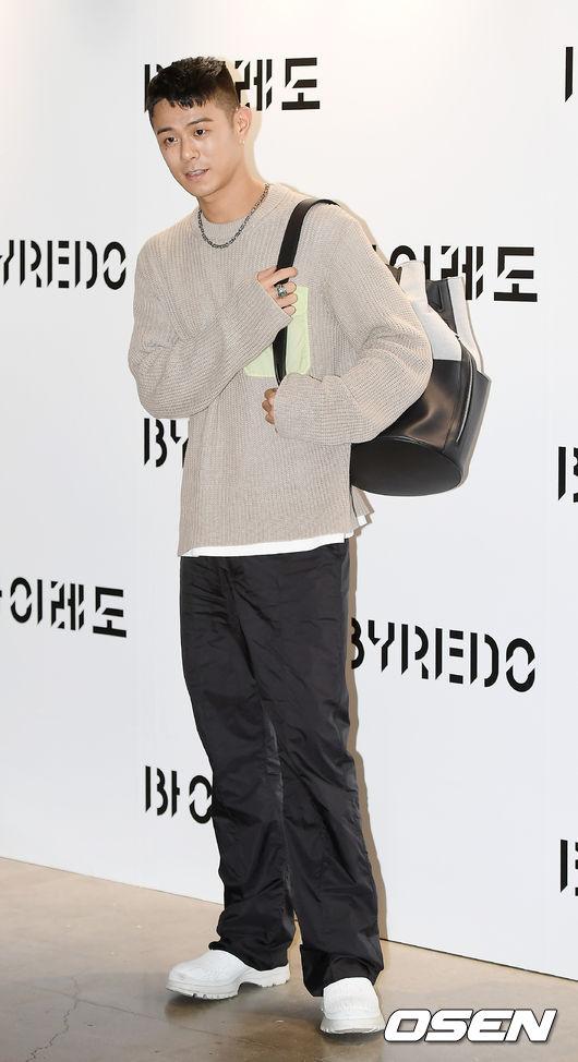 [OSEN=곽영래 기자]가수 빈지노가 포토타임을 갖고 있다. / youngrae@osen.co.kr