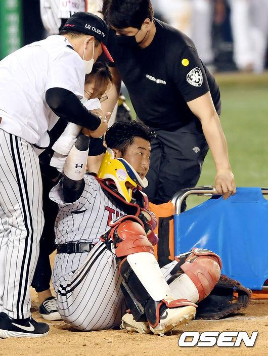 [사진]이성우,위험천만한 목 부상