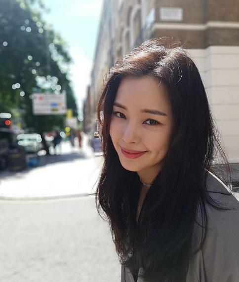 이하늬, 눈 정화되는 미소..우아한 셀카 공개 [★SHOT!]
