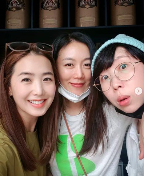 이지애, 서현진·권진영과 미녀 3인방 미코언니와 우비소녀언니[★SHOT!]