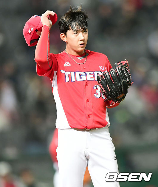 퓨처스 ERA 2.70 꽃미남 박정수, 시즌 첫 1군 콜업...서덕원 말소 [오!쎈 광주]