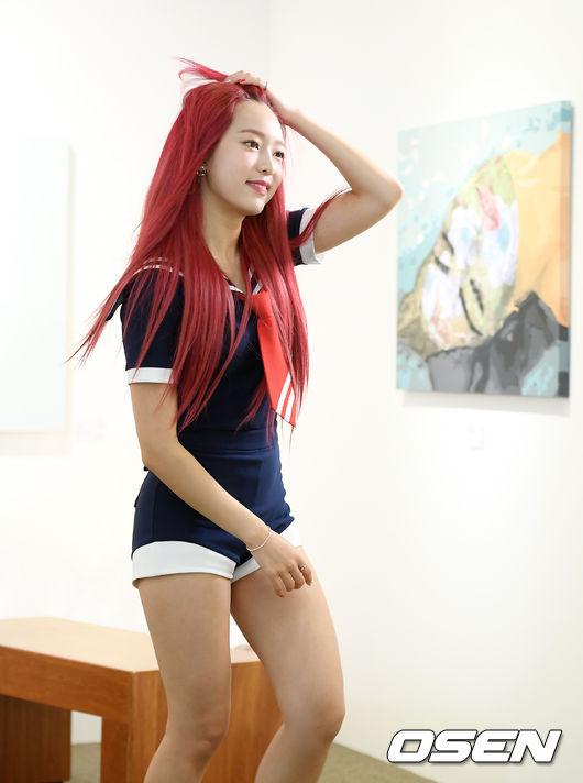 [사진]에이프릴 양예나, 붉은 머리에 청량 미모