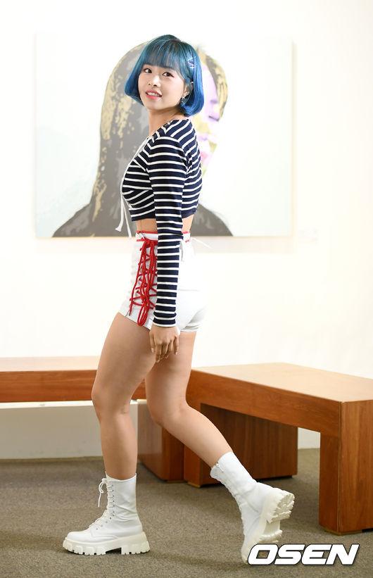 [사진]에이프릴 김채원, 액자에 걸고 싶은 청량미