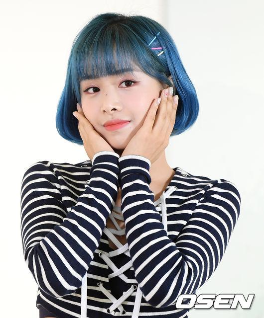 [사진]에이프릴 김채원, 미모에 반하겠지
