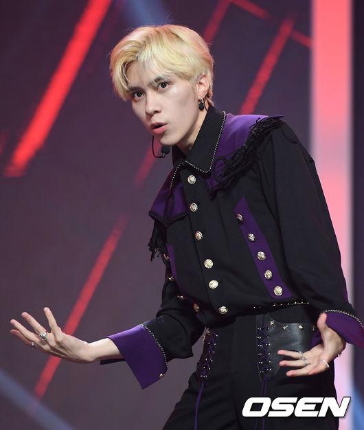 [사진]웨이비(WayV) 헨드리, 춤 추는 귀공자