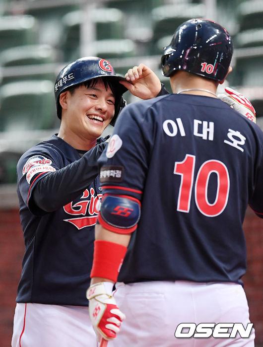 [사진]민병헌,더없이 환한 미소