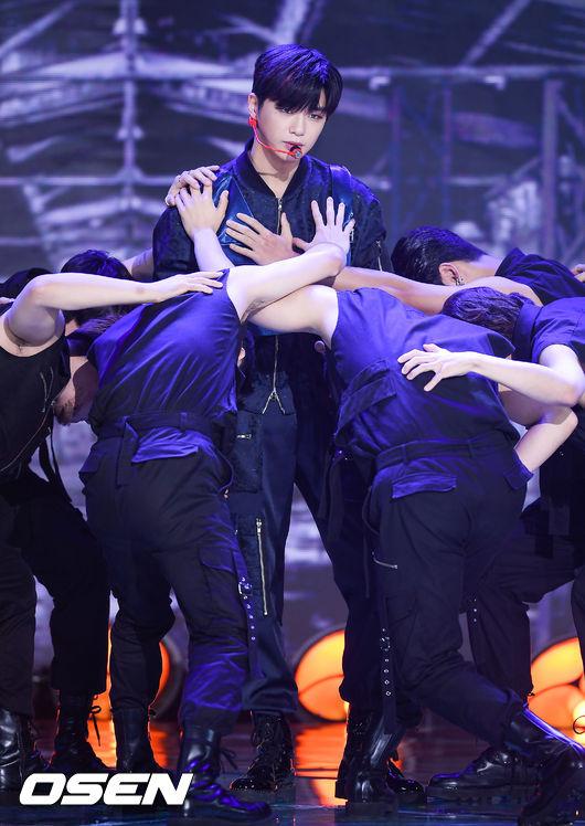 [사진]강다니엘,가만히 있어도 화보