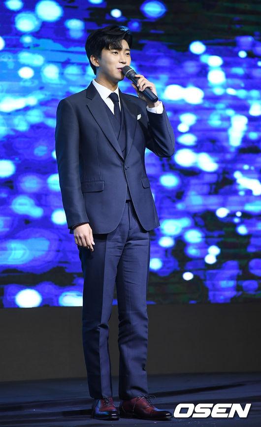[OSEN=곽영래 기자] 15일 오후 서울 여의도동 글래드호텔에서 '2020 MTN 방송광고 페스티벌'이 열렸다. 가수 임영웅이 축하무대를 선보이고 있다. youngrae@osen.co.kr