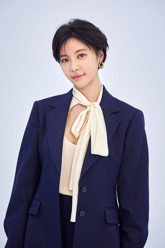 [사진=씨제스엔터테인먼트 제공] 배우 황정음이 프로골퍼 출신 사업가 이영돈과 이혼을 발표하며 그 배경에 대중의 눈과 귀가 집중됐다.