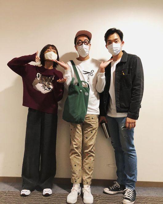 이초희X이상이 상승세 즐겨..김영철, 한다다 다재커플과 달콤 쓰리샷 [★SHOT!]