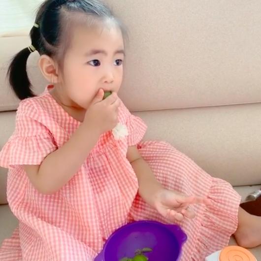 """함소원♥진화 붕어빵 딸, 대답 못할 정도로 포도 먹방 """"잘 먹는 아이""""[Oh!마이 baby]"""