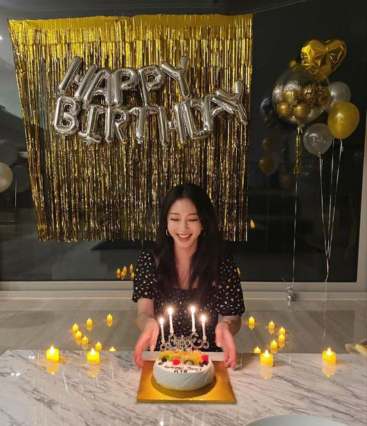 한예슬, 40번째 생일 인증샷..나이 무색한 美친 미모 [★SHOT!]