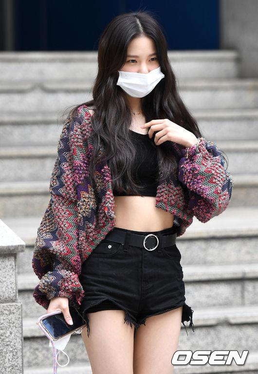 [사진]CLC 최유진, 가릴 수 없는 매력
