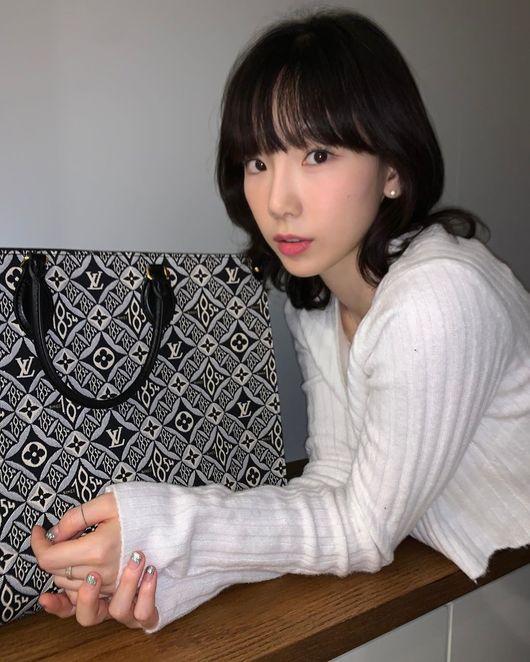 명품이 태연을 입었다..소녀시대 태연, 동안美 가득한 탱구 [★SHOT!]