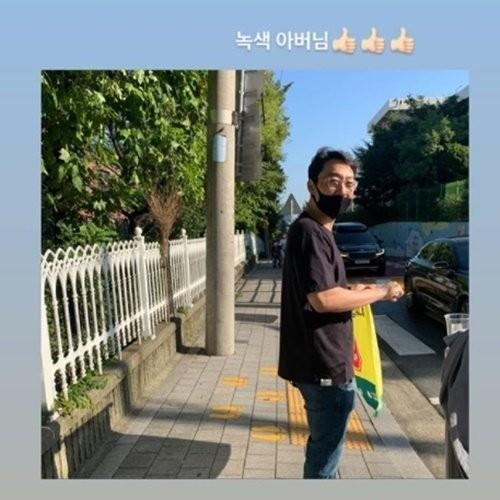 [사진=문정원 SNS] 문정원이 방송인 이휘재의 일상을 공개했다.