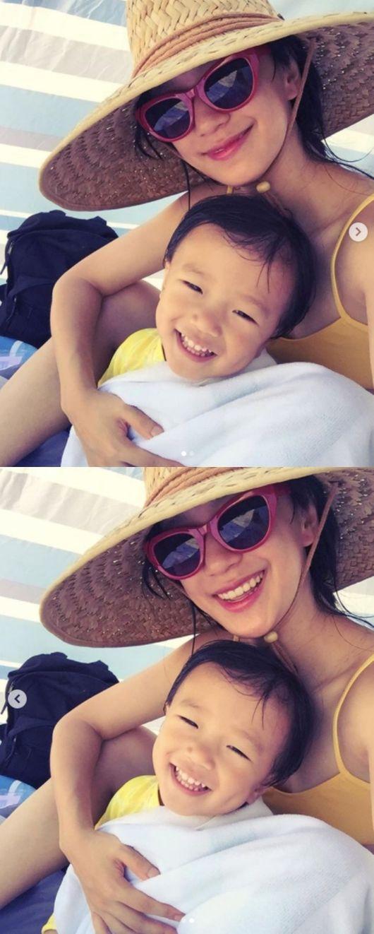 개리 아들 하오, 미모의 엄마와 한여름의 추억..닮은꼴 미소[★SHOT!]