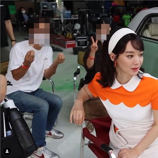 신민아, ♥김우빈이 또 반할 인간 당근…여성美 물씬 [★SHOT!]