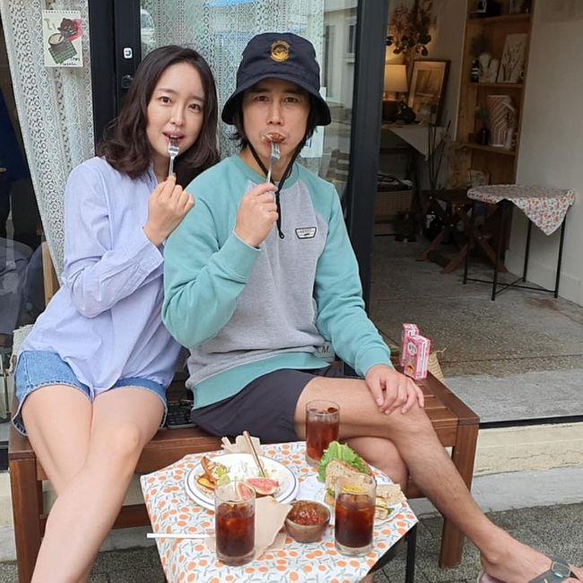 정태우, 미모의 승무원 아내와 카페 데이트 신혼 같이 달달해 [★SHOT!]
