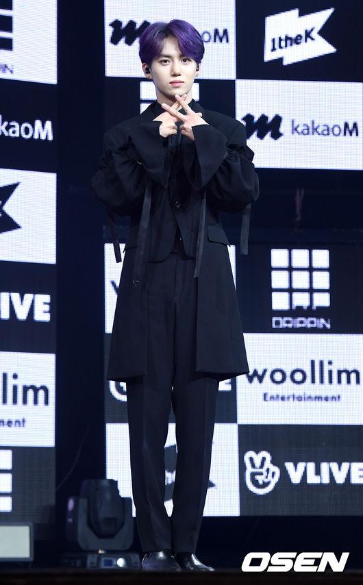 [OSEN=지형준 기자]드리핀 황윤성이 포토타임을 하고 있다. /jpenws@osen.co.kr