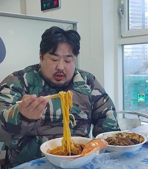 이은형♥ 강재준, 식신 정준하도 울고갈 먹방 씹기는 하는 건가[★SHOT!]