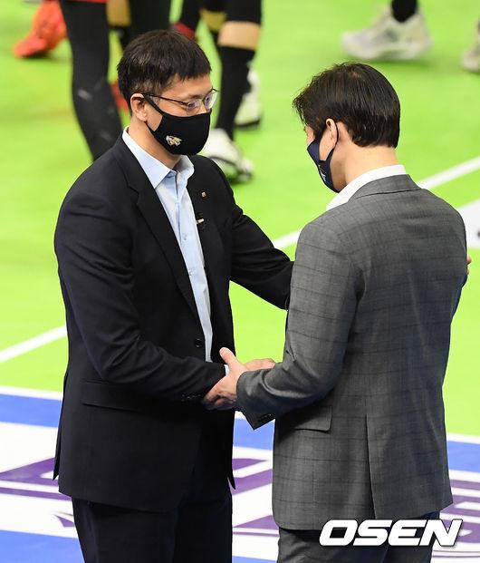 [사진]장병철 감독-석진욱 감독,멋진 경기 해봅시다