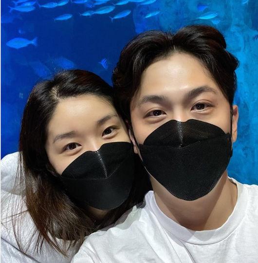 내사랑♥전용진 김빈우, 부부 6년차면 얼굴도 닮아가나봐‥눈매가 남매같네
