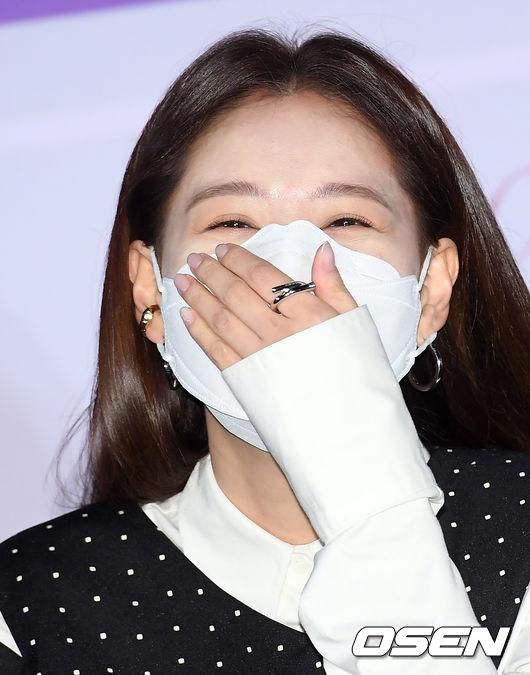 [사진]김재경,햇살 눈읏음이 샤르르~