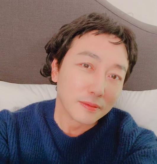 54세 탁재훈, 누가 봐도 동안 외모 가발샷[★SHOT!]