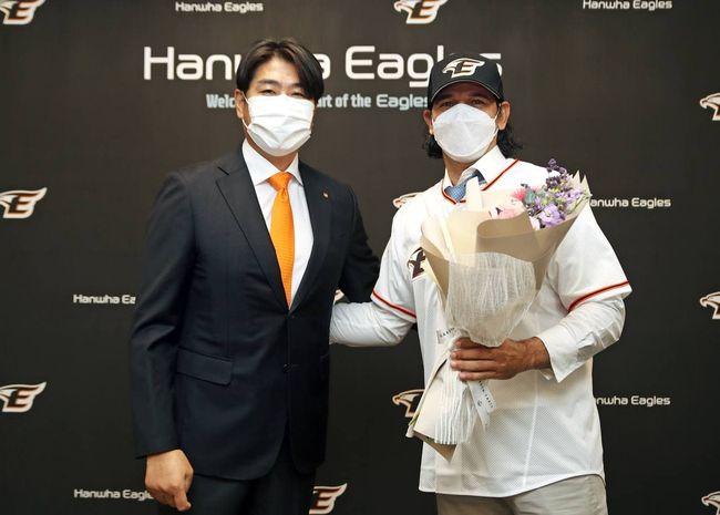 [사진] 한화 정민철 단장과 수베로 감독(오른쪽) /한화 이글스 제공