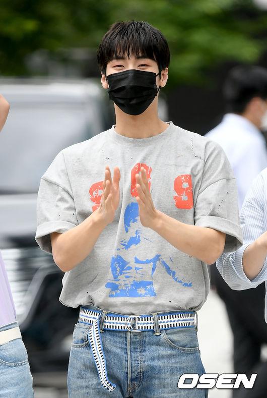 [사진]엔플라잉 승협,훈남 박수