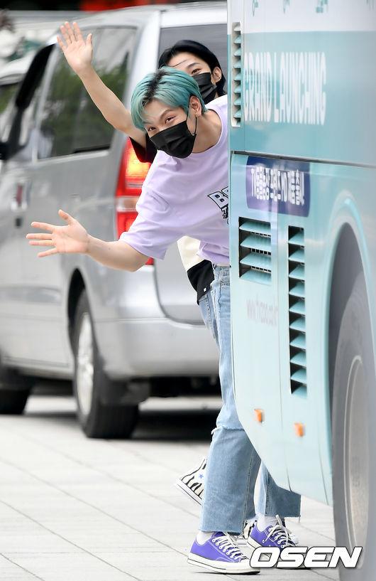 [사진]엔플라잉 재현-동성,모두 안녕